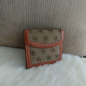 Dooney & Bourke Vintage monogram Kisslock wallet